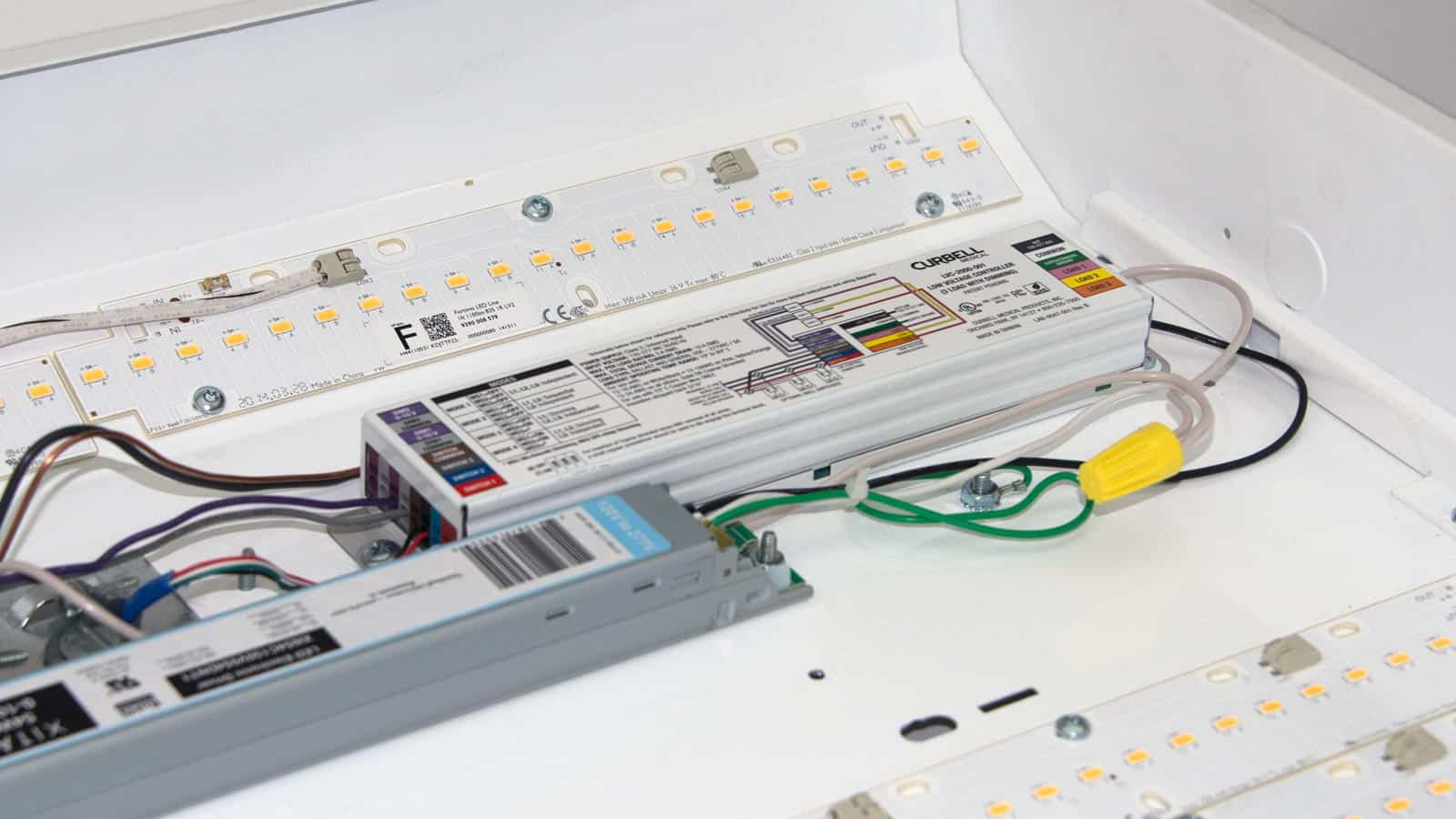LVC-2000 Series Low Voltage Controllers - Curbell Medical